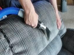 Limpeza a seco de sofá no rj